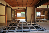 3.屋根・内装・畳・窓ガラスなどを撤去