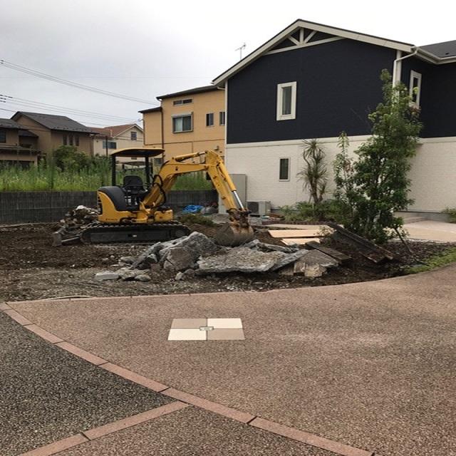 越谷市レイクタウン アスファルト・砕石撤去工事